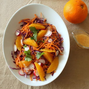 salade au chou rouge, carottes, radis, orange