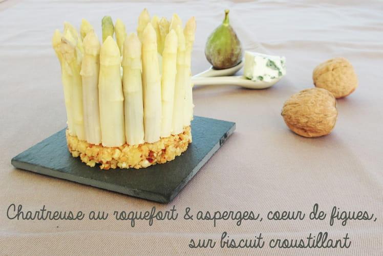Chartreuse au roquefort et asperges, coeur de figues sur biscuit croustillant