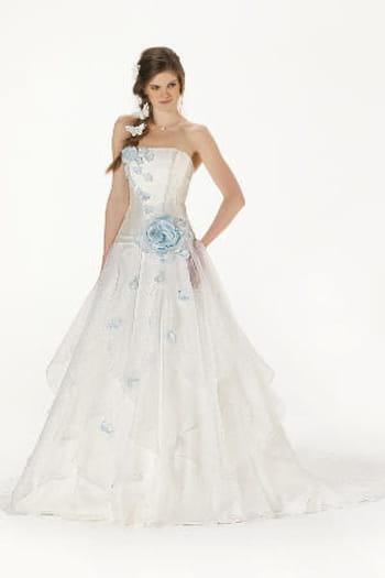 Robe de mari e 2013 emilie des pr s complicit for Robes de mariage en consignation ct