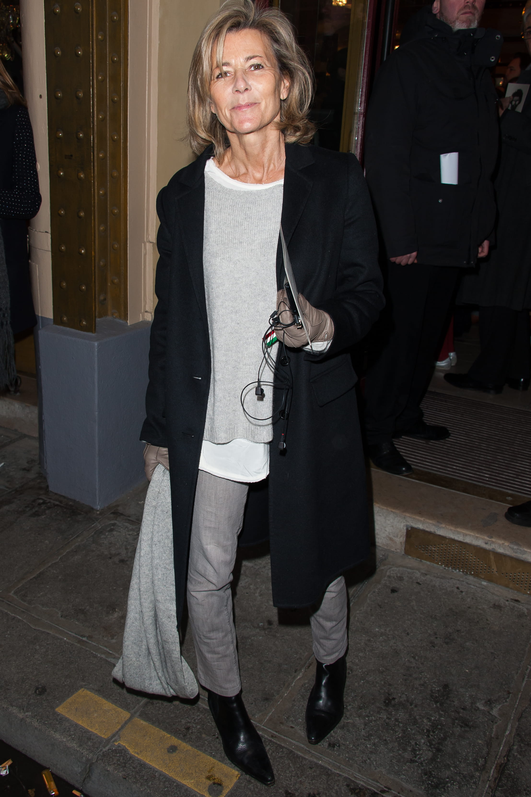 Claire chazal cougar - 4 2