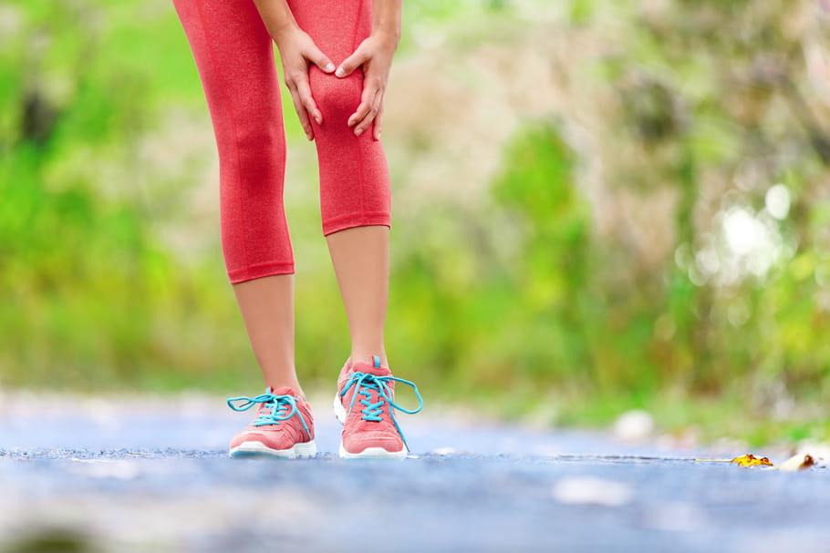 Entorse du genou: symptômes, comment la soigner?