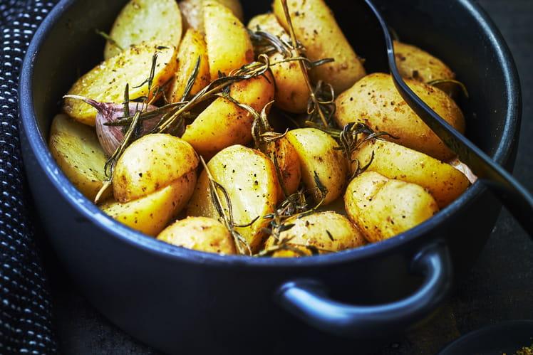 Pommes de terre primeurs rôties au sel fumé