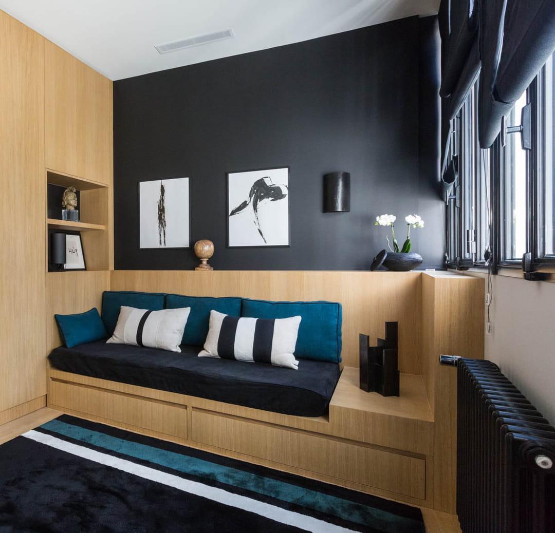bureau-chambre-ami-couleur-foncee-petit-espace