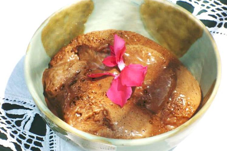Mousse au praliné, chocolat noir et cointreau