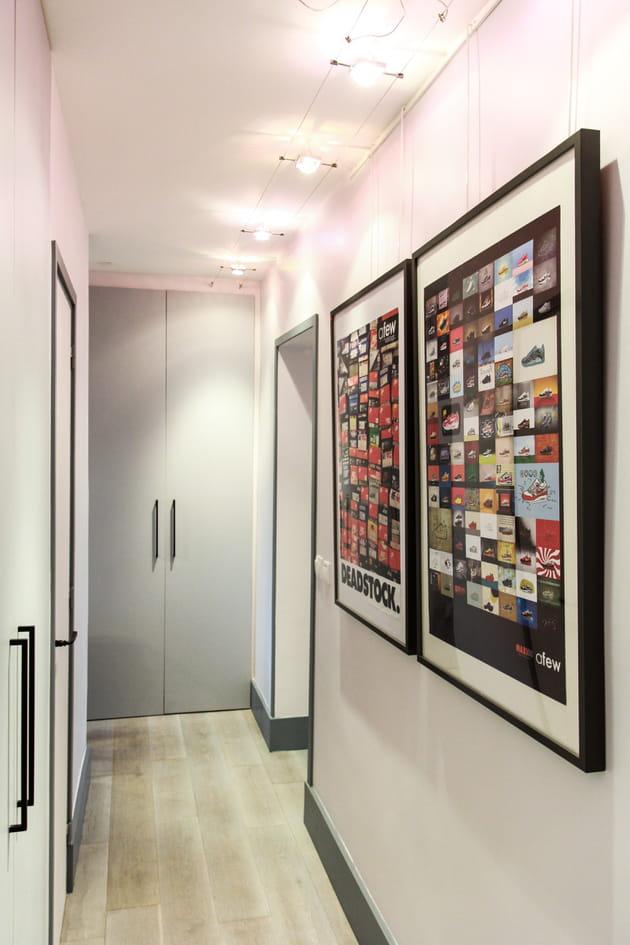 Dressing Chambre De Bébé : Accrocher des tableaux aux murs
