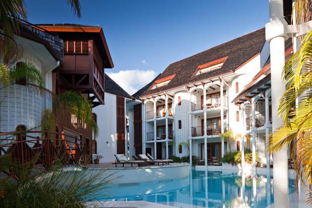 La piscine de l'hôtel Saint-Alexis