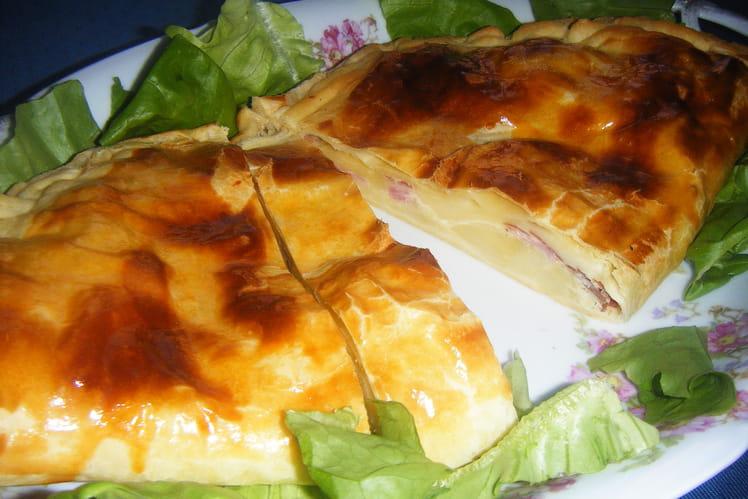 Feuilleté en chausson au fromage à raclette et jambon