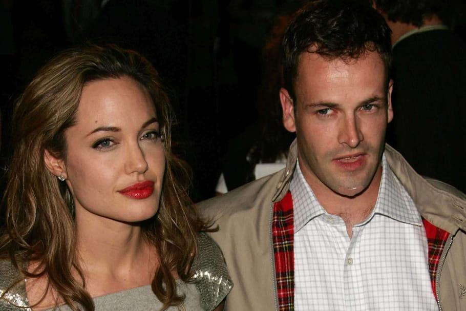 Angelina Jolie et Jonny Lee Miller