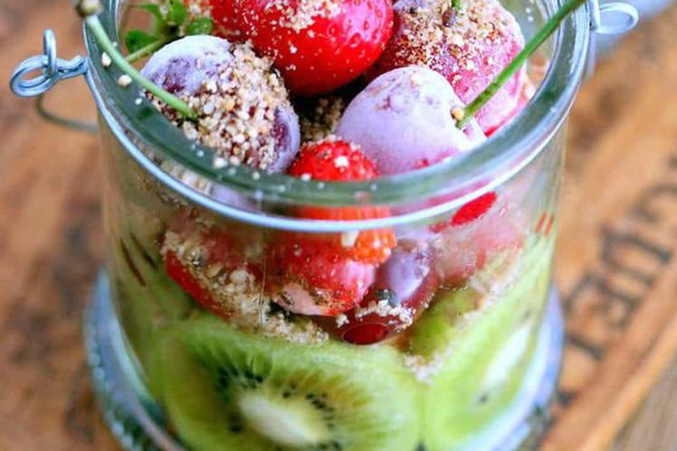 Salade de fruits au gomasio à la fève tonka et fleurs de lavande