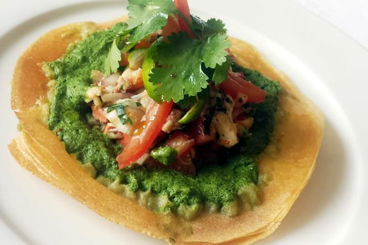 Tarte fine au homard, concassée de tomates douces, purée d'herbes fraîches