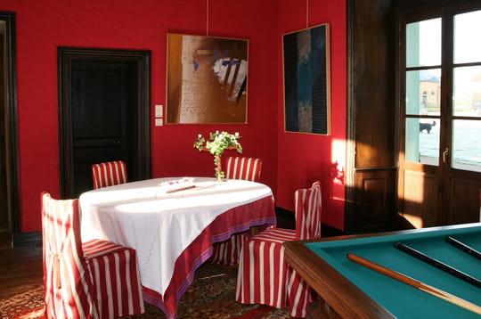 Un dîner en rouge et blanc