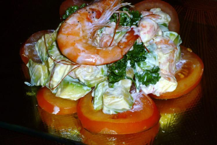 Salade fraîcheur tomates, avocats et crevettes