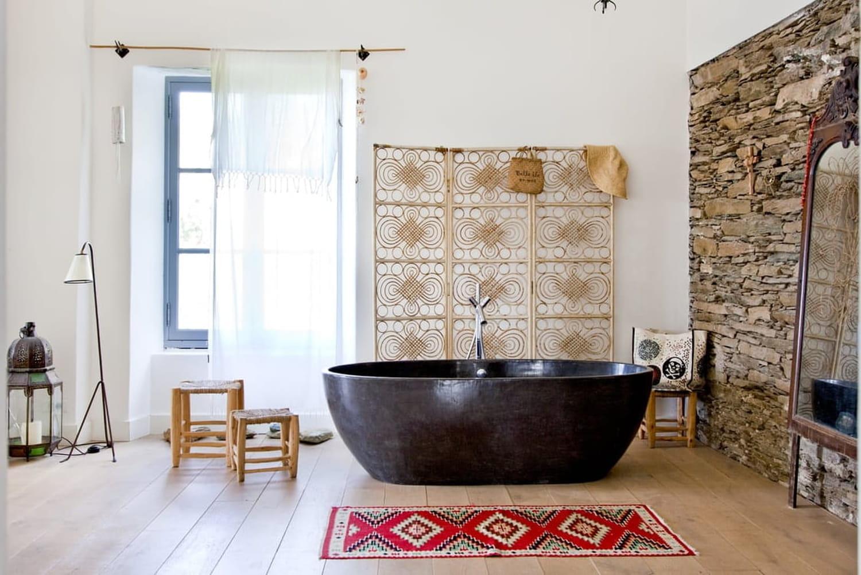 Pour ou contre... le tapis dans la salle de bains?