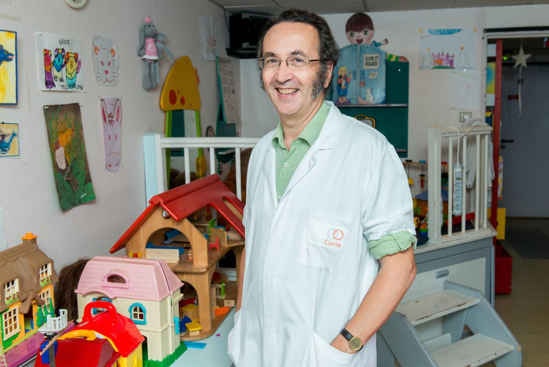 """Pr François Doz: """"Les tumeurs de l'enfant n'ont rien à voir avec celles de l'adulte"""""""
