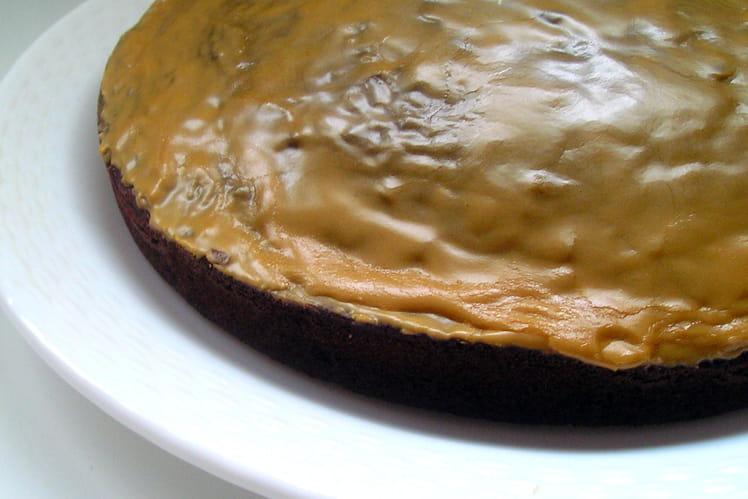 Gâteau brun au café