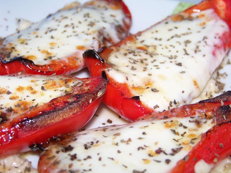 Pirogues de poivron la mozzarella - Cuisiner les poivrons ...
