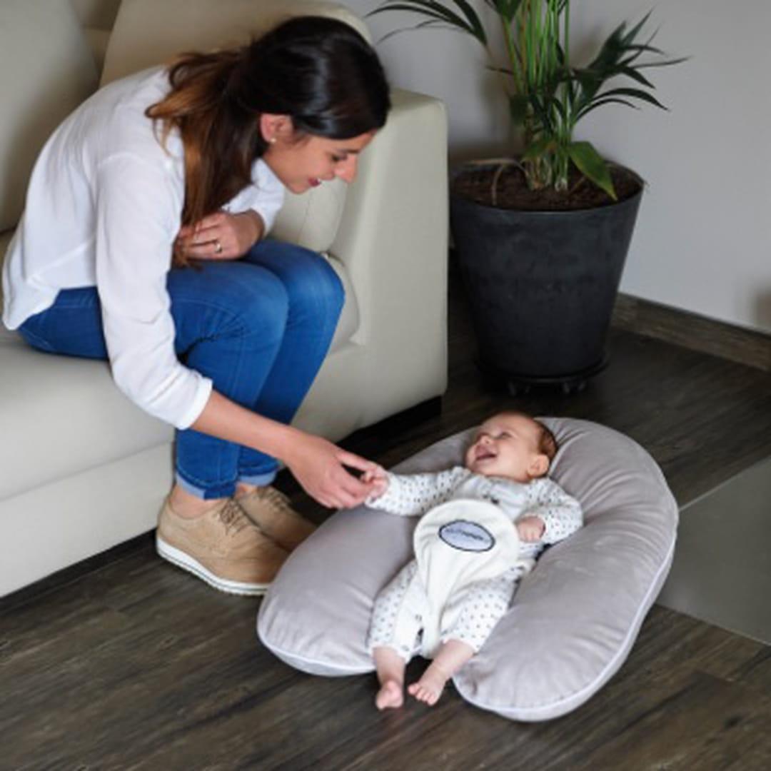 coussin d 39 allaitement lequel choisir. Black Bedroom Furniture Sets. Home Design Ideas