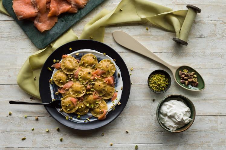 Ravioli bio au blé complet petits pois tendres et fondants Giovanni Rana avec yaourt grec, saumon et pistaches