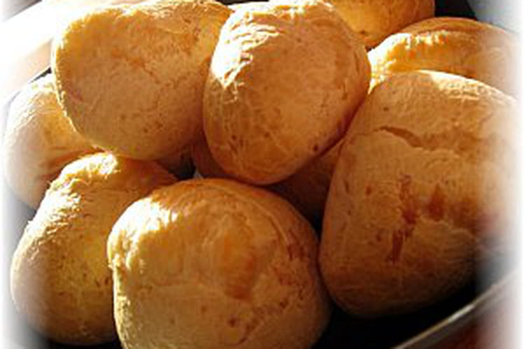 Pao de queijo (pain au fromage brésilien)