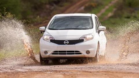 Nissan peinture autonettoyante