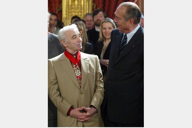 Charles Aznavour décoré par Jacques Chirac