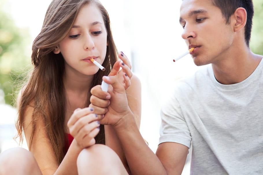 Les lycéens français diminuent leur consommation de tabac et d'alcool