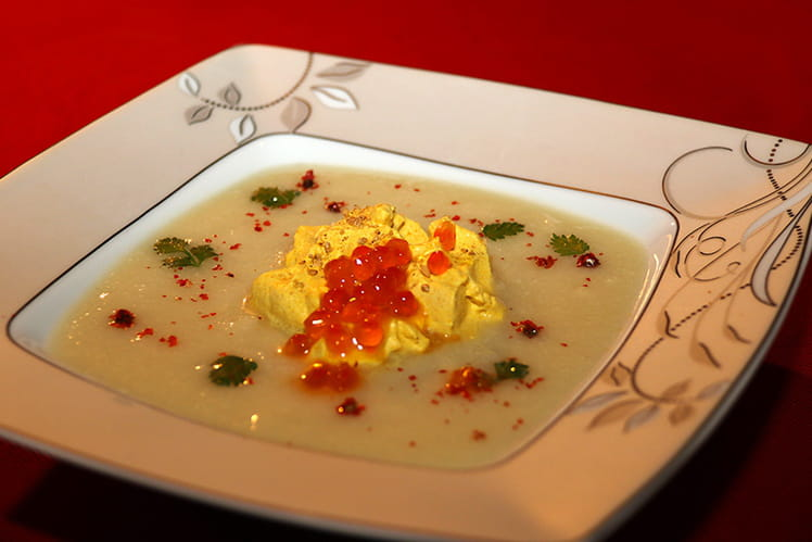 Potage de chou-fleur et chantilly au curry
