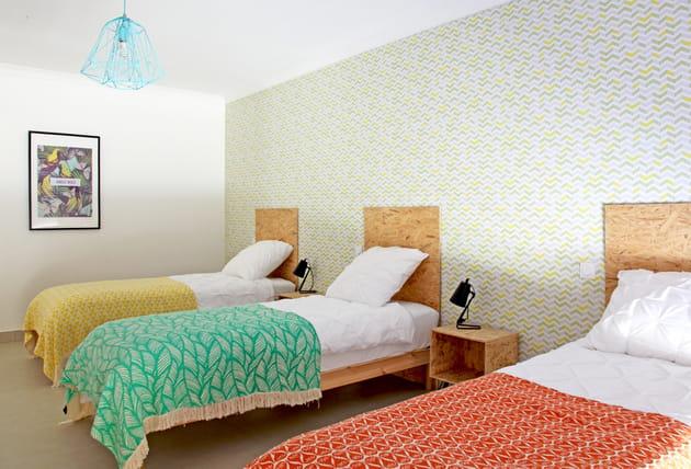 Tête de lit en bois OSB