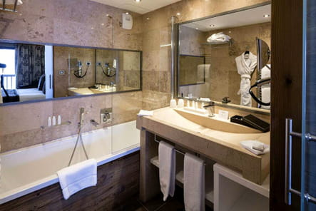 Les salles de bain du Koh-I Nor