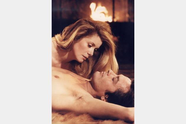 Brûlant avec Catherine Deneuve dans Le Choc