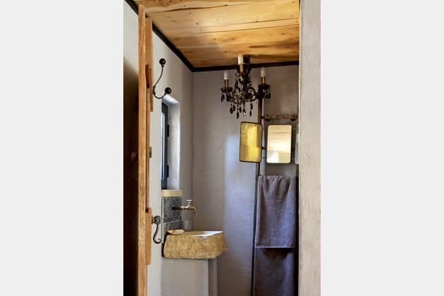 Salle de bains rustique-chic