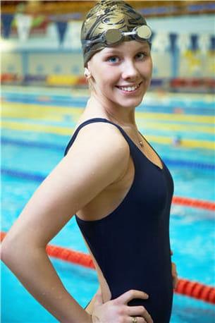 bonne pour le dos, la natation n'a quasiment pas de contre-indications.