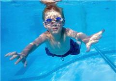 l'activité physique est recommandée pour les hémophiles, notamment la natation,