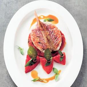 rouget poêlé, tomate, olive, basilic