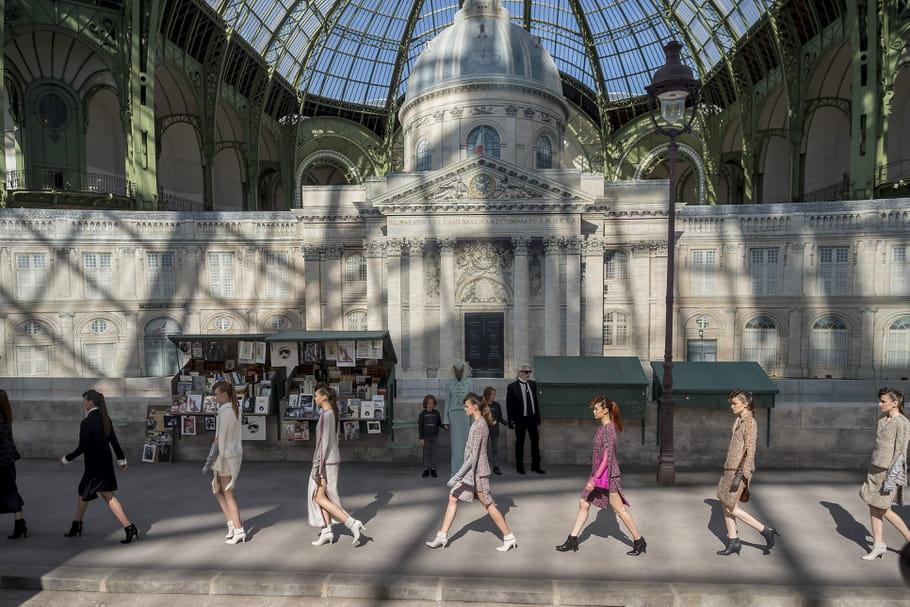 Une balade parisienne haute couture avec Chanel