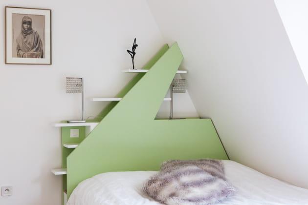 Une tête de lit géométrique