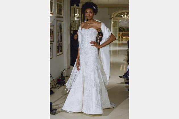 Robe de mariée raffinée, Oleg Cassini