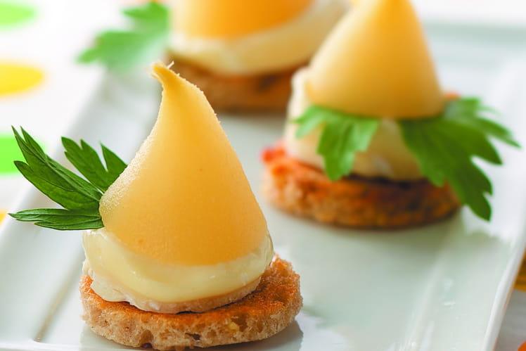 Toasts sucrés salés de Camembert aux mini-poires