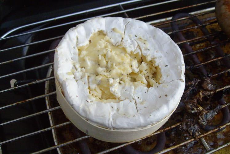 Camembert crémeux aux herbes