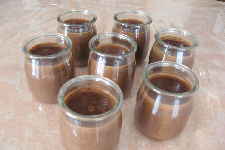 Dessert lacté au chocolat et lait de chèvre