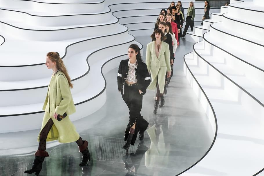 Défilé Chanel automne-hiver 2020-2021: Virginie Viard plante le décor