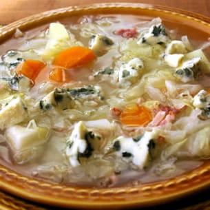 soupe au chou et au roquefort