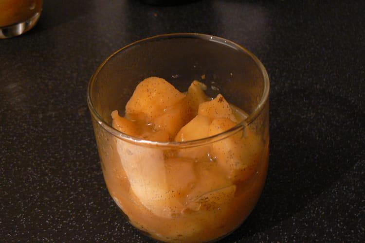 Verrines de pommes confites au cidre et à la vanille et leur caramel