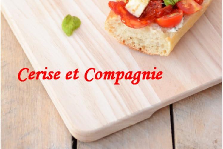 Tartines estivales : tomates, chorizo, féta, tomates confites et basilic