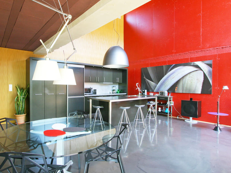 Une cuisine ouverte tr s moderne for Cuisine tres moderne