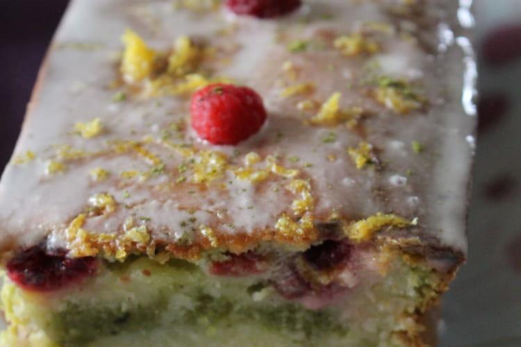 Cake citron-matcha et framboises