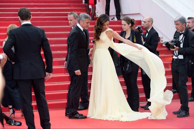 Amal Clooney fait une démo