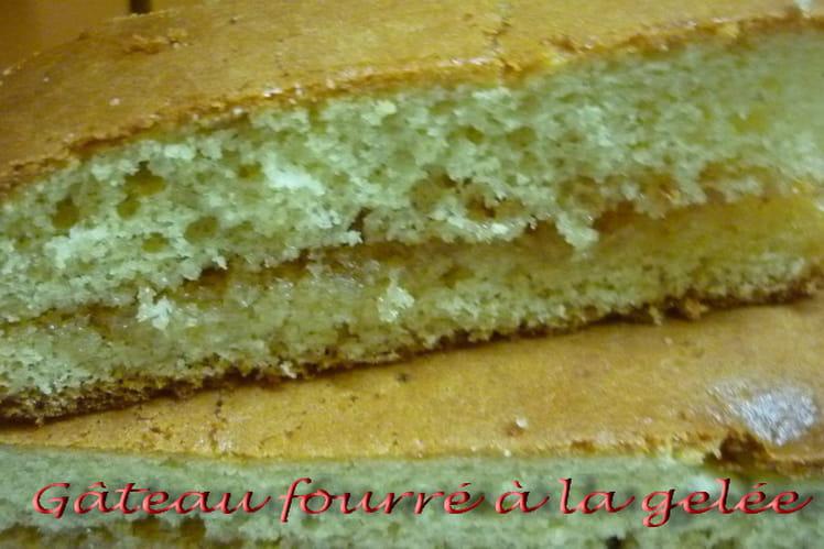 Gâteau fourré à la gelée