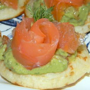 blinis au saumon et guacamole