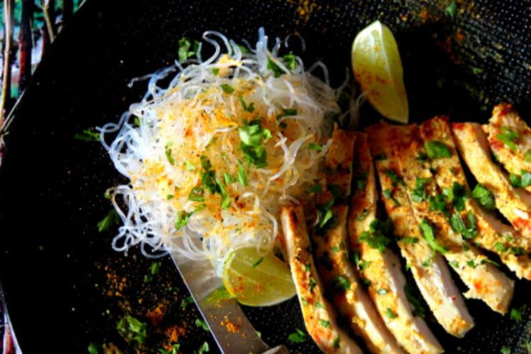Escalope de dinde marinée à l'indienne, nouilles de soja